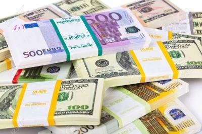 37738507-l-argent-empile-fond-d-affaires.jpg