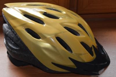Cyklistická přilba 54-56 cm 2008