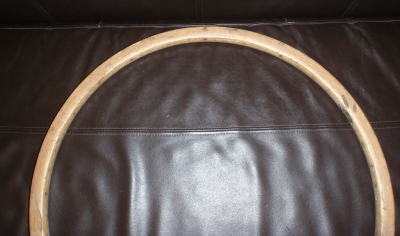 Starý dřevěný ráfek.