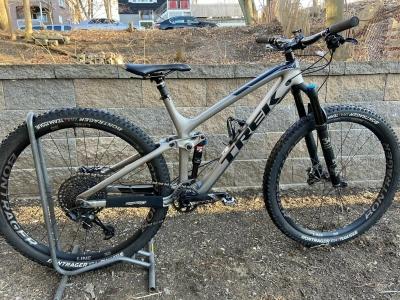2018 TREK FUEL EX 9.8 29 Bike